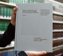 """""""Mein Kampf"""" Adolfa Hitlera zostało bestsellerem w Niemczech"""