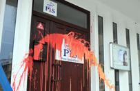 """Polityk PO czyści drzwi Brudzińskiego. """"W ramach walki z hejtem"""""""