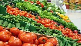 """Marnotrawstwo żywności. Tutaj """"brzydkie"""" warzywa kupisz taniej"""