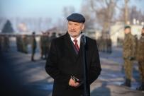 O. Rydzyk sprzedaje bilety na Macierewicza