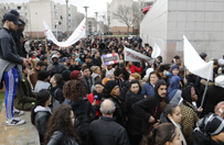 Zamieszki na przedmieściach Paryża po brutalnej akcji policji