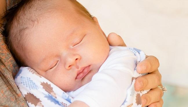 Kalendarz ciążowy – dowiedz się, jak bardzo zmienia się Twój maluszek w 16. tygodniu ciąży