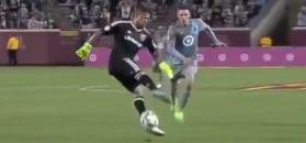 #dziejesiewsporcie: chciał być jak Neuer. Fatalny kiks bramkarza