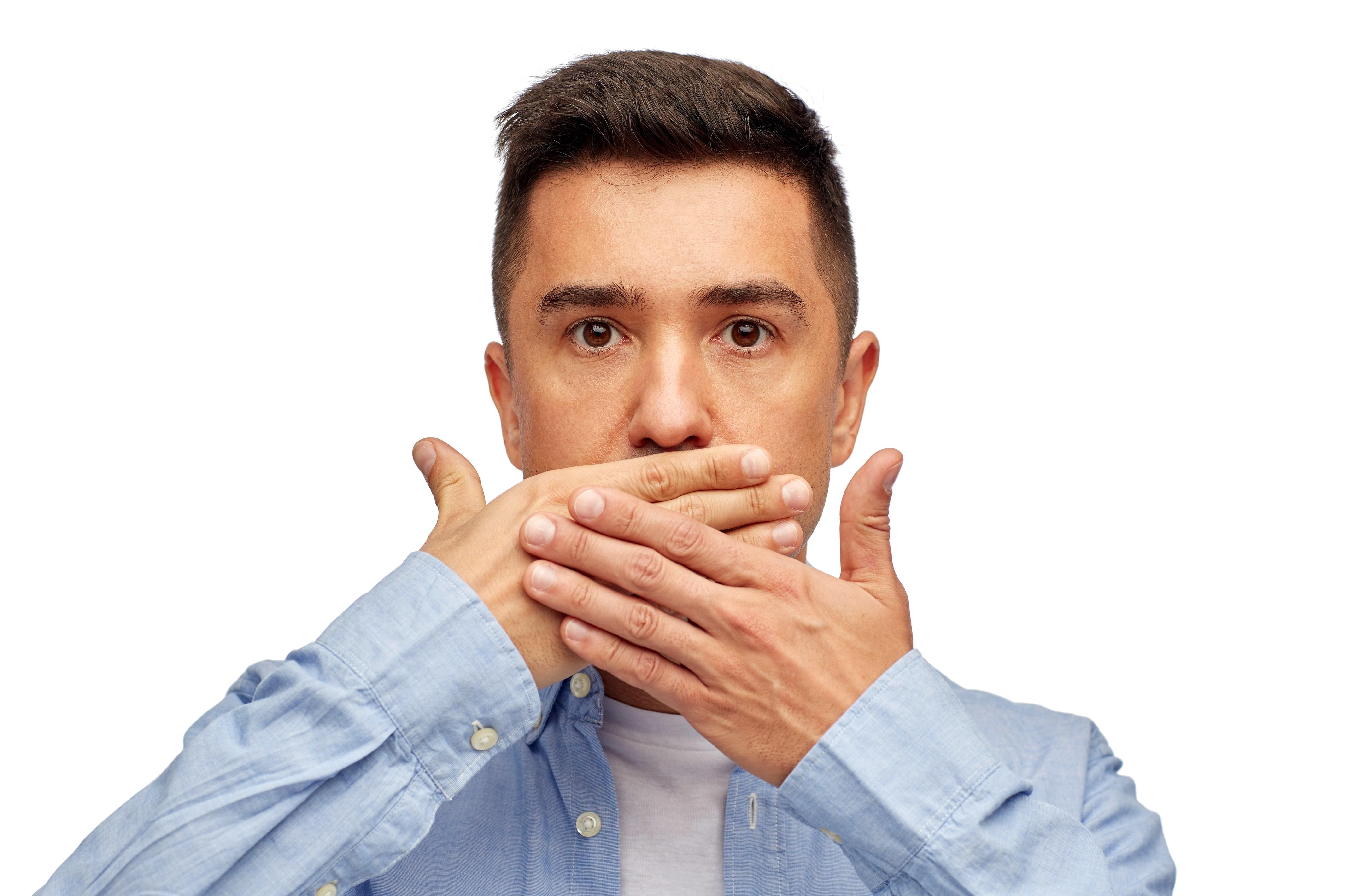 Nieświeży oddech – o czym świadczy?