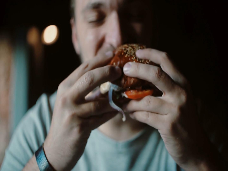Jedzenie o złych porach przyczyną nadwagi