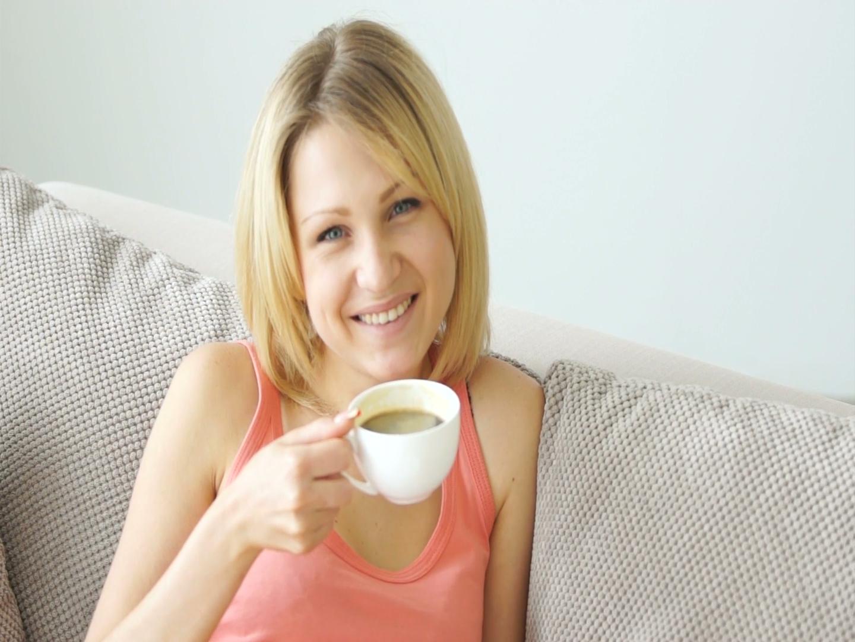 4 filiżanki kawy – idealna dzienna dawka?