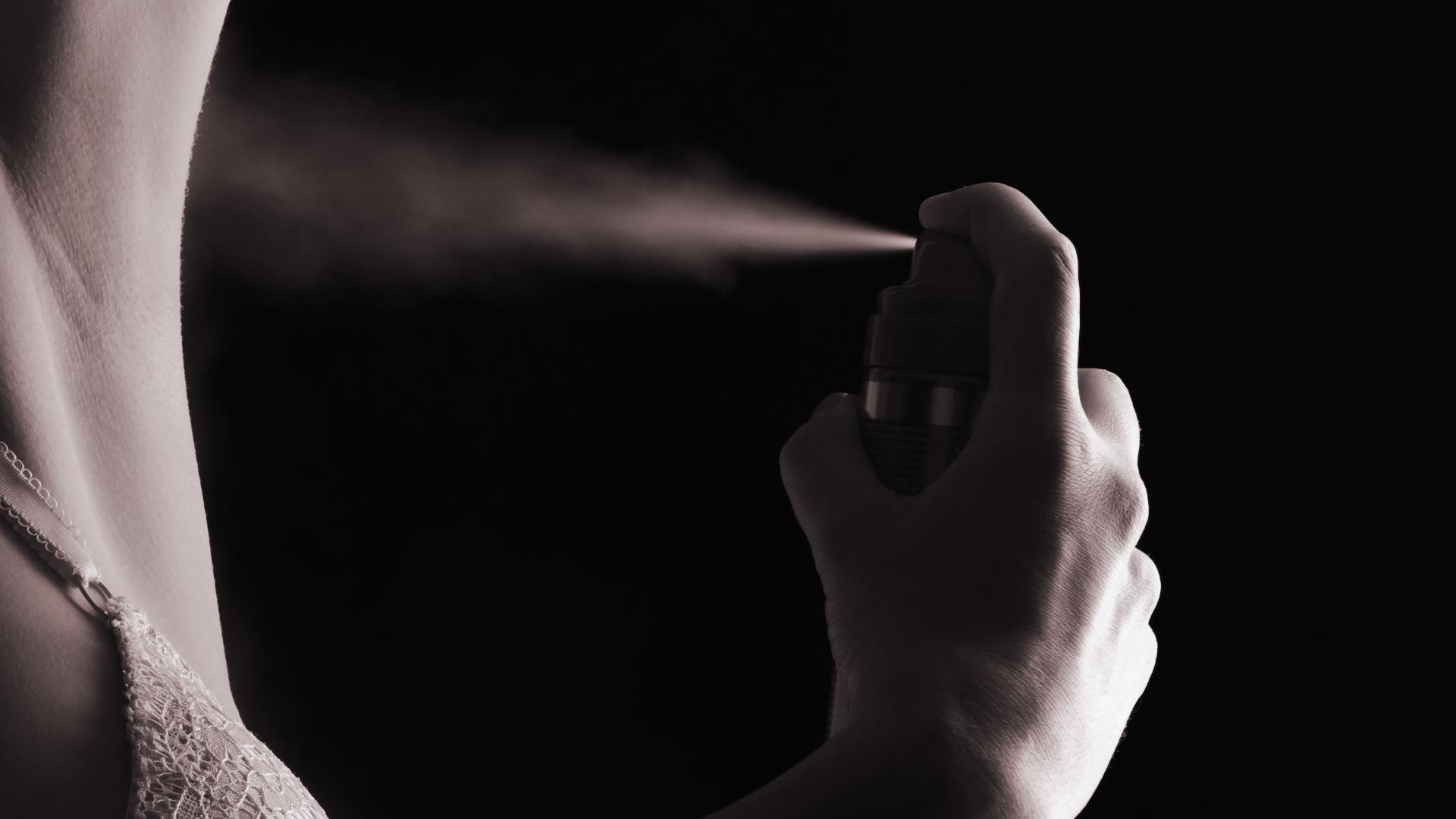 O której godzinie najlepiej stosować dezodorant?