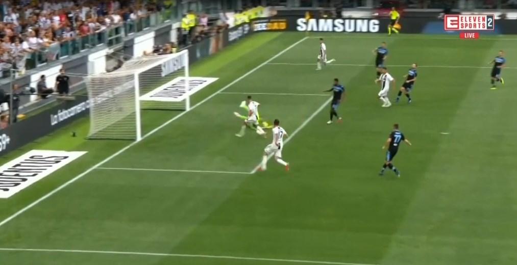 Ronaldo powinien zdobyć gola, ale zaliczył przypadkową asystę. Bezbłędny Szczęsny