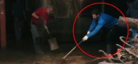#dziejesiewsporcie: w gumowcach i z miotłą. Nadal pomagał w walce z żywiołem