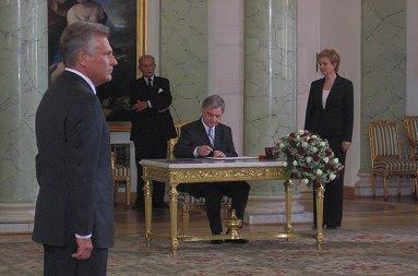Zbigniew Wassermann - minister ds. s�u�b specjalnych