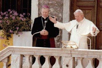 Papie� pozdrawia pielgrzym�w