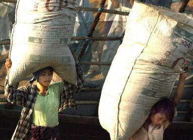 http://i.wp.pl/a/f/pjpeg/8505/mjanmar.jpg