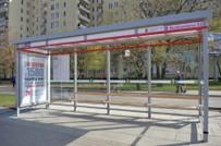 Darmowe e-ksi��ki na przystankach komunikacji miejskiej w Warszawie