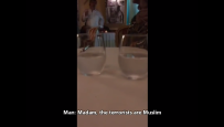 """Manager paryskiej restauracji nie chcia� obs�u�y� muzu�manek. """"Rasi�ci nie podk�adaj� bomb"""""""