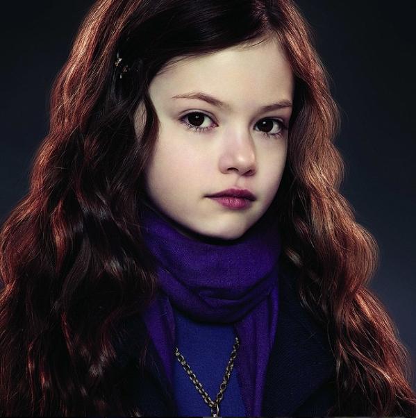 """Grała córkę Belli i Edwarda w """"Zmierzchu"""". Dzisiaj ma 17 lat"""