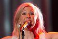 Ellie Goulding na szczycie w Wielkiej Brytanii tekst piosenki