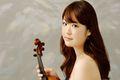 Japońska skrzypaczka Miki Kobayashi wystąpi w olsztyńskiej filharmonii