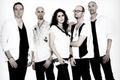 Sprawdź Within Temptation z Howardem Jonesem tekst piosenki