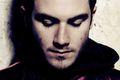 "Darkside Nicolasa Jaara wydaje ""Psychic"" tekst piosenki"