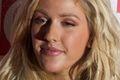 "Ellie Goulding zwiastuje ""Goodness Gracious"" tekst piosenki"