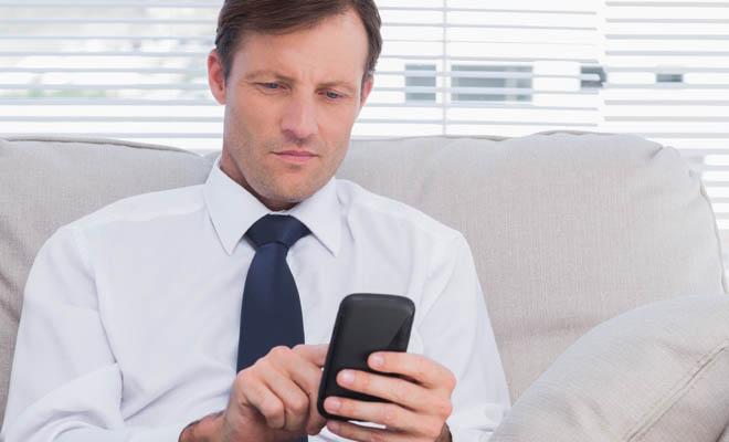 Jak długo powinienem czekać, aby odpowiedzieć na randki online