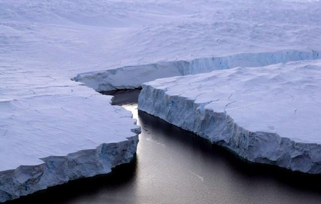Woda będzie rozpuszczać lód