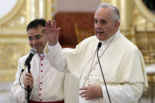 Papież Franciszek zaskoczył wiernych ogłaszając skrócenie wizyty w Tacloban