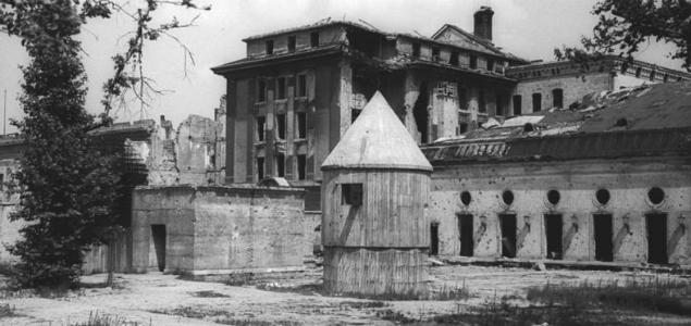 Führerbunker - schron, w którym ostatnie dni swojego życia spędził Adolf Hitler