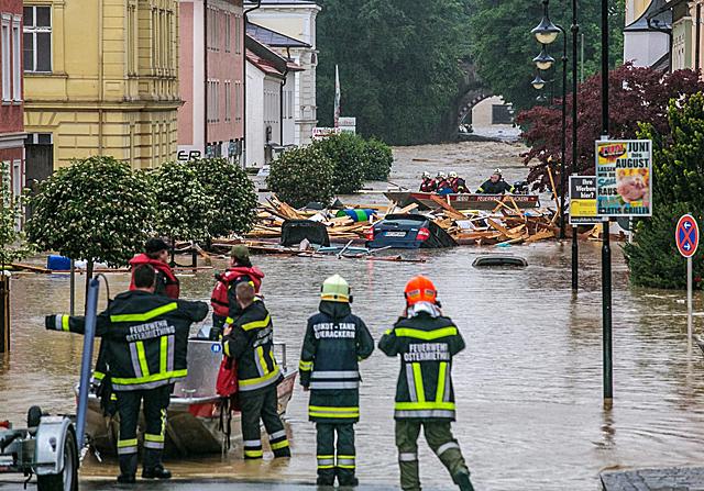 Powódź w Niemczech. Kilkaset dzieci uwięzionych w szkole