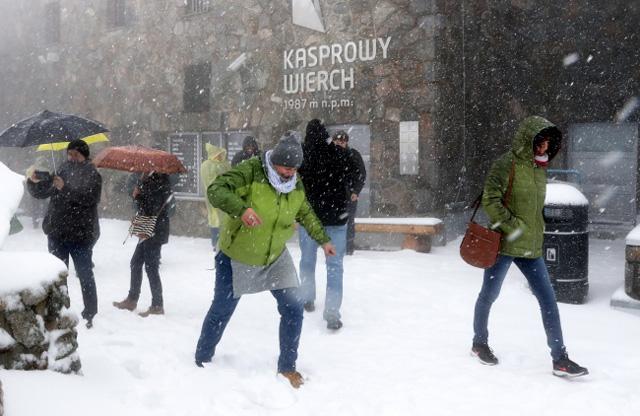 Zima przyszła latem. Śnieg w Tatrach